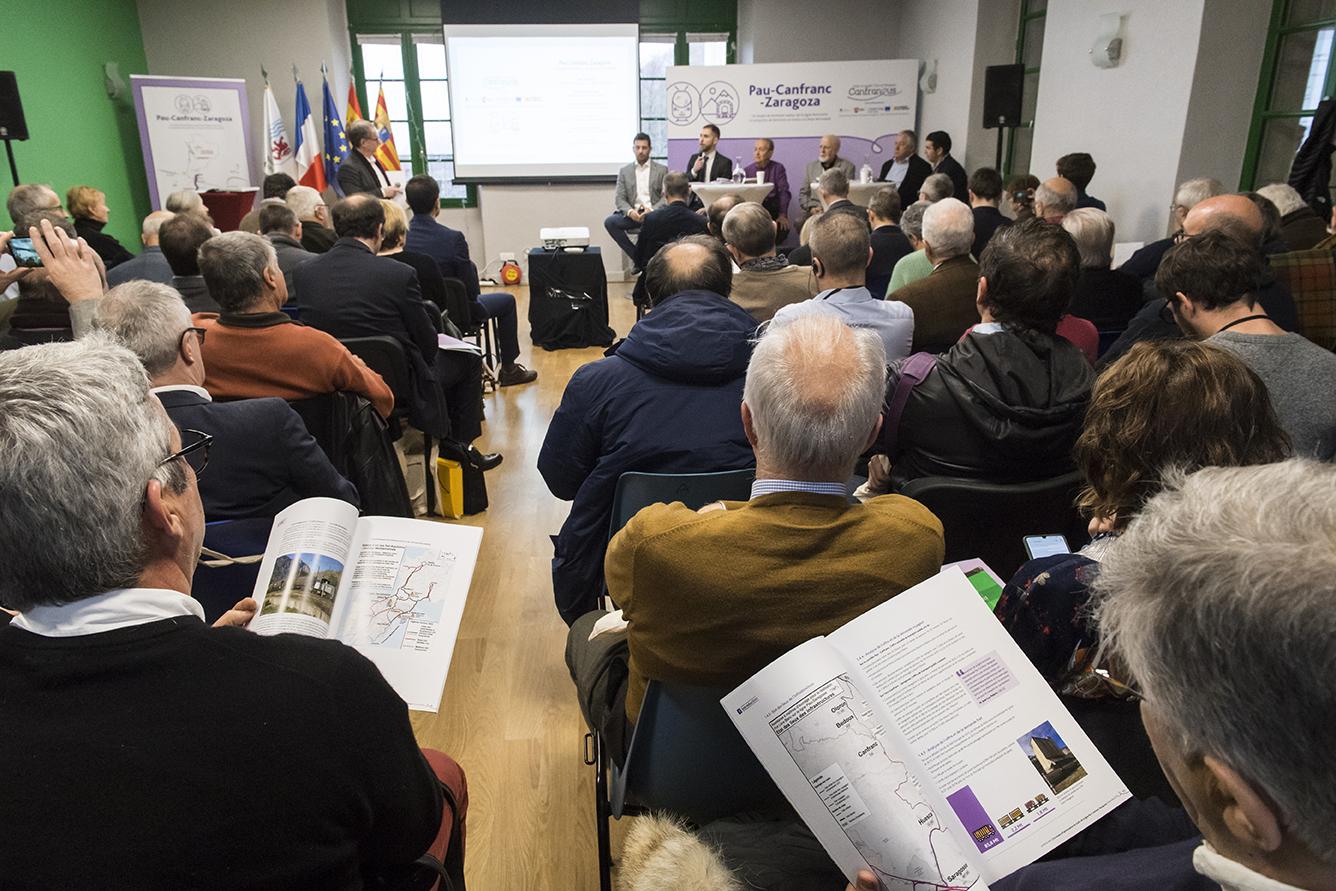 Pau-Canfranc-Zaragoza : un proyecto de territorio en torno a la línea ferroviaria